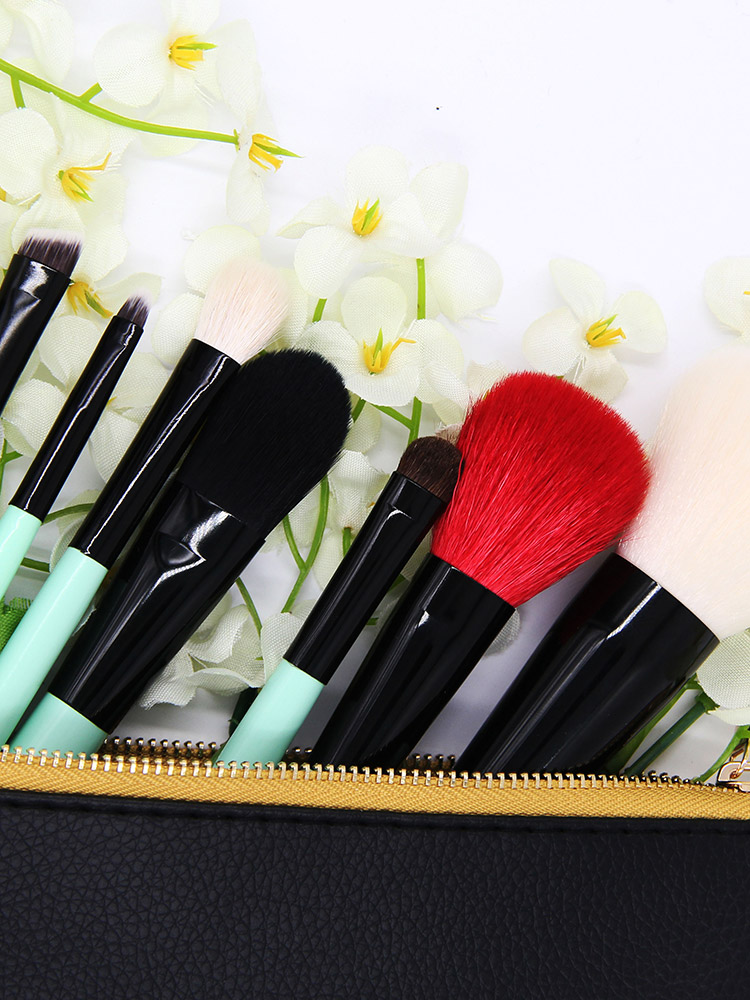 Essential_Brush_Set_8pcs