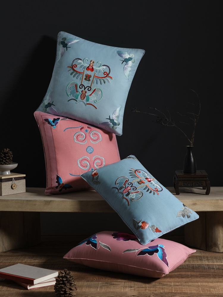 Chinese_Embroidered_Cushion